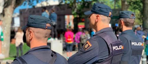 La Policía Nacional tiene todos los videos de la agresión al sanitario (@policia)