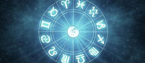 L'oroscopo di sabato 24 luglio: Marte in quadratura a Scorpione, Bilancia frenetica.