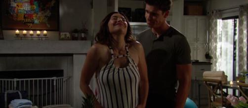 Beautiful, anticipazioni americane: Steffy partorisce in casa con Finn ma lui la inganna.