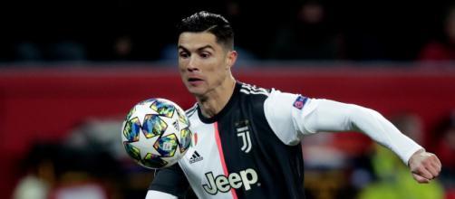 Cristiano Ronaldo si allontana dalla Juventus.
