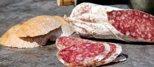 Francia retira todos los lotes de un embutido español por una alerta sanitaria relacionada con salmonelosis - Pixabay