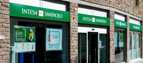 Intesa Sanpaolo lancia nuove assunzioni.