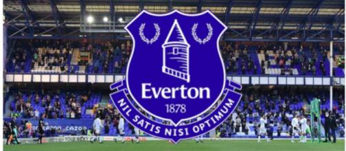 Le club d'Everton confirme avoir suspendu l'un de ses joueurs via un communiqué - Source : capture d'écran Instagram