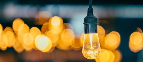 Según las gráficas la luz tiene el precio más alto de los últimos 20 años - (Pixabay)