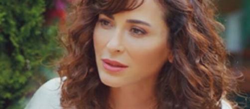 Love is in the air, trama del 23/07: Ayfer apprende che sua nipote e Serkan stanno insieme.
