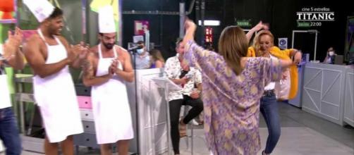 Rocío Carrasco y Gema López bailan sevillanas en 'Sálvame' (Telecinco)