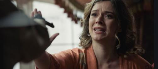Una vita, trame Spagna: Genoveva muore per mano di Gabriela e Aurelio.