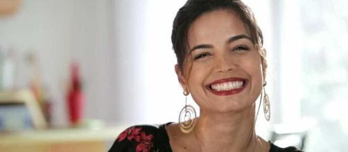 Emanuelle Araújo recebe homenagens (Divulgação)