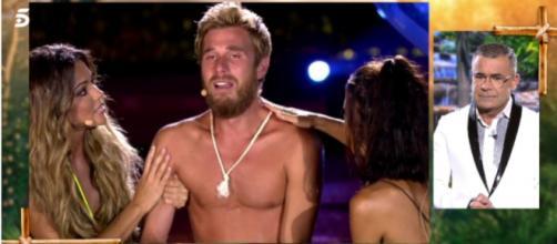 Los nervios de verse en la final de 'Supervivientes' le han jugado una mala pasada a Tom provocándole un ataque de ansiedad - Captura de pantalla