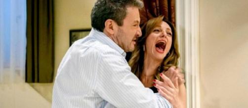 Tempesta d'amore, trame tedesche: Christoph scopre che Ariane ha avvelenato Selina.