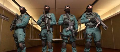 La Guardia Civil registró dos sedes de la banda. (Twitter @guardiacivil)