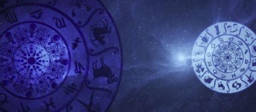 L'oroscopo del weekend sino al 1° agosto: momenti d'oro per Vergine, Mercurio in Leone.