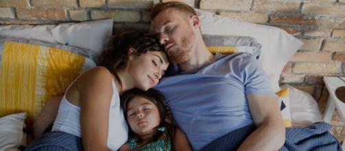 Love is in the air, anticipazioni turche: Kiraz è la figlia di Eda e Serkan.