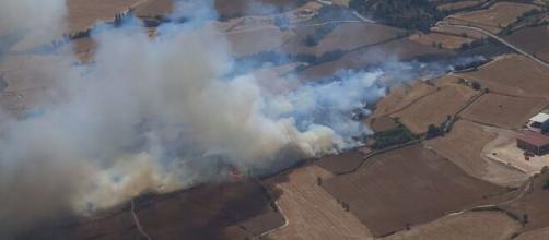 El incendio en Tarragona ha arrasado más de 1500 hectáreas y ha obligado a confinar dos municipios (vía Twitter, @bomberscat)