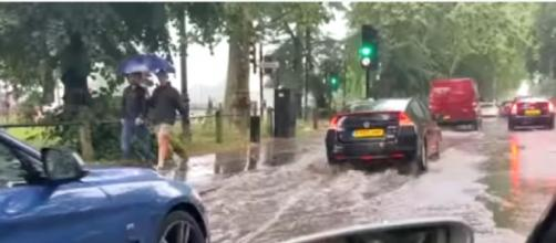 London weather: City awash with floods and heavy rain [Image source: The Independent/YouTube)