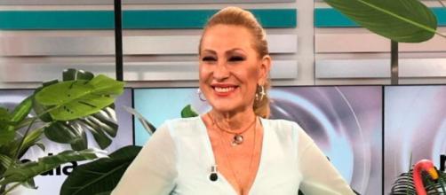 Rosa Benito considera que Olga Moreno debería ver el documental de Rocío Carrasco (@rosapepioficial)
