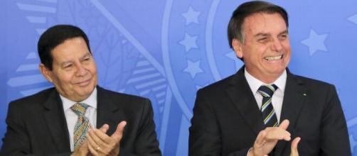 Em nova rusga com vice, Bolsonaro diz que Mourão 'por vezes atrapalha' (Agência Brasil)