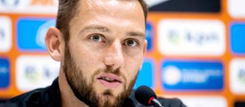 Inter: Stefan De Vrij potrebbe essere ceduto per esigenze di bilancio.