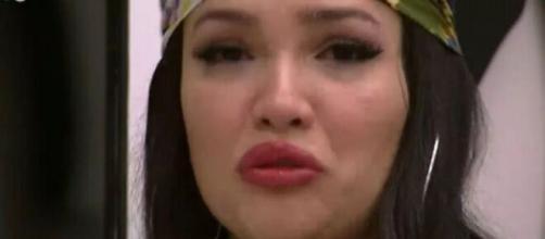 Juliette Freire não contém a emoção em episódio de seu documentário (Reprodução/TV Globo)