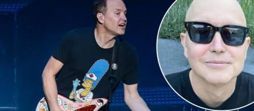 Mark Hoppus dei Blink-182 è tornato a suonare il basso.