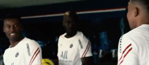 Mbappé et Wijnaldum à l'entraînement. (crédit Youtube PSG)