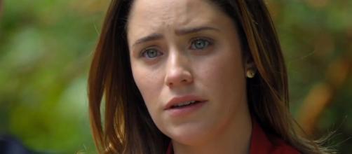 Ana fica arrasada em 'A Vida da Gente' (Reprodução/Rede Globo)
