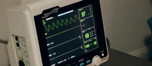 El hospital HUVR, de Sevilla, realizará un estudio en recién nacidos y embarazadas con covid (Unsplash)