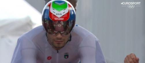 Filippo Ganna al via della cronometro di Tokyo 2020.