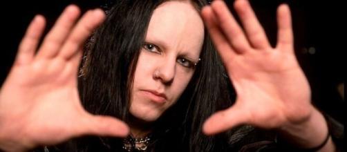 Joey Jordison è morto a soli 46 anni, è stato batterista degli Slipknot.
