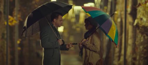 Love is in the air, spoiler Turchia: Aydan esce di casa e con Eda gira in auto per Istanbul.