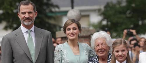 La abuela de la reina Letizia tenía prohibido que en su casa se hablara de política (@casarealdeespana)