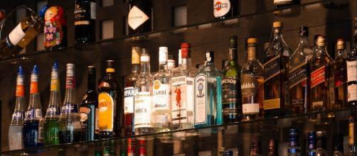 Las condiciones de trabajo que ha ofrecido un bar han conmocionado a los internautas (Pixabay)