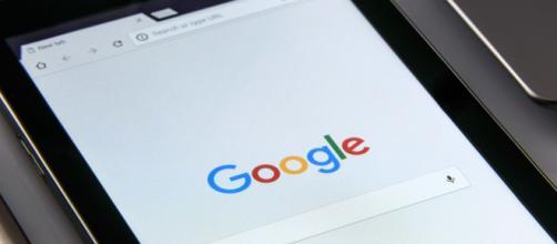 Google admite escuchar las conversaciones de sus usuarios a través de su Asistente digital en los móviles (Pixabay)