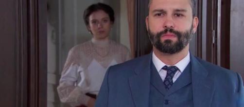 Una vita, spoiler spagnoli: Genoveva scredita Felipe, lui tenta di strangolarla.