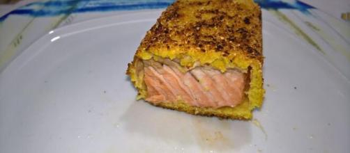 Salmone in crosta, un ottimo piatto unico della tradizione.