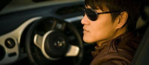 Driving with sunglasses could get you charged in the U.K. (Image source: Pixabay)
