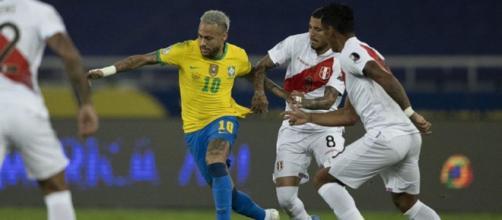 L'incroyable action de Neymar sur le but de Paqueta (Credit : capture Youtube)