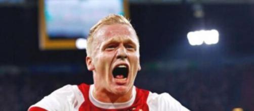 Donny Van de Beek ai tempi dell'Ajax.