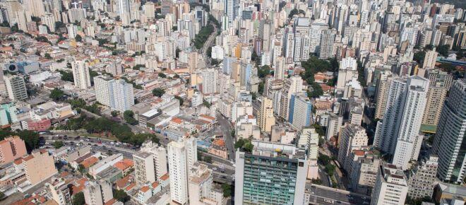 São Paulo tem mais residências em prédios do que em casas, aponta estudo da Fapesp