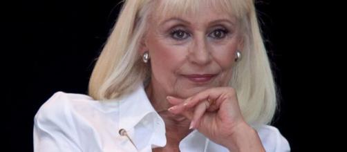 Raffaella Carrà sarebbe morta per un carcinoma polmonare.