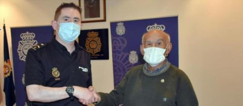 Un policía de Palencia devolvió 1.200 euros extraviados a un jubilado (Policía Nacional)