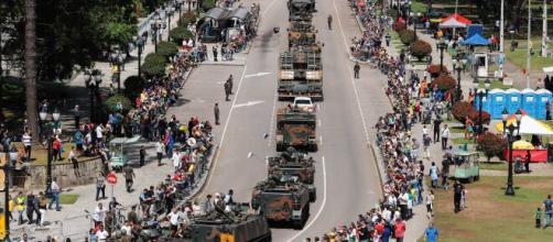 Desfile acontece em meio a votação do voto impresso (Agência Estadual de Notícias/Rodrigo Felix Leal)