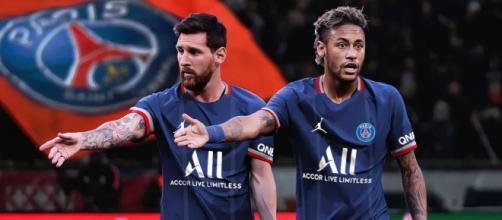 Leo Messi aux côtés de Neymar sous le maillot du PSG - Source : capture d'écran, jeux vidéos