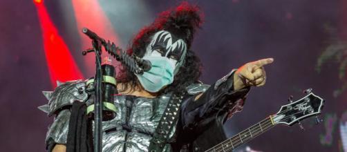 Gene Simmons dei Kiss ha duramente criticato i no vax.