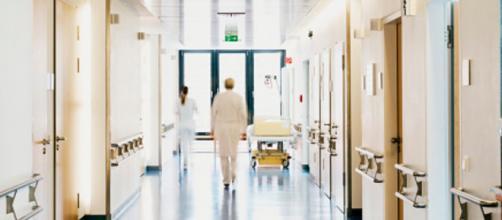 La enfermera tenía publicaciones en sus redes en contra de las vacunas contra el coronavirus (Pixabay)