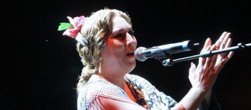 Estrella Morente en una actuación (Fuente: Flick.com, Usuario: Juan Carlos Barrena)
