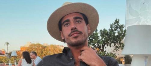 Alberto González ha sido cuestionado por una entrevista en aperiódico (Instagram @alberto.herreram)