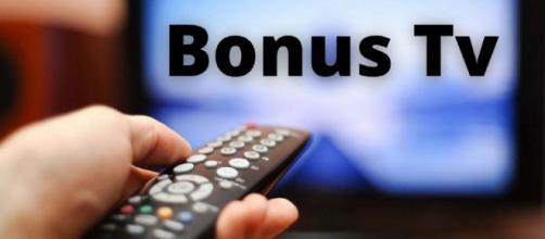 Bonus tv da 100 euro: firmato il decreto per l'incentivo all'acquisto un nuovo televisione.
