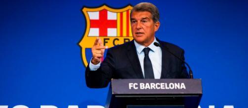 Laporta cree que la Liga le hizo exigencias que le impedían firmar el contrato con Messi (Twitter, @FCBarcelon_es)