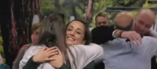 New Australia-New Zealand travel bubble reunites many families (Image source: BBC News/YouTube)